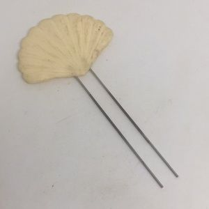 1950's Vintage Plastic Seashell Hair Pin Mermaid